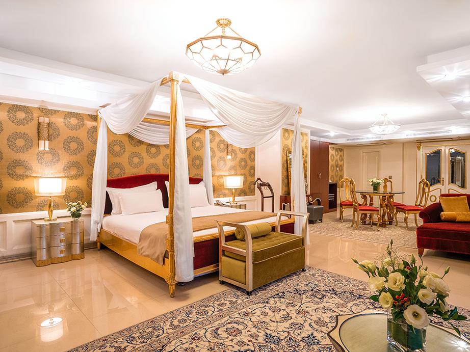 iran-hotel-booking